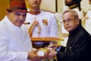 President Pranab Mukherjee presents Padma Bhushan to Satpal during Padma Awards 2015