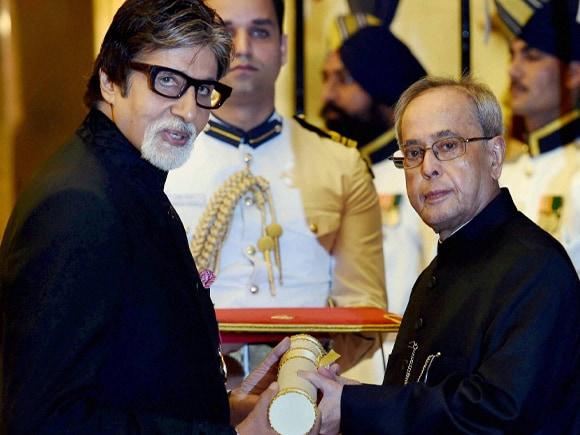 Padma Award, Padma Vibhushan, President of India, Pranab Mukherjee, Amitabh  Bachchan