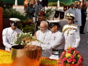 Prime Minister Narendra Modi lays wreath at Amar Jawan Jyoti