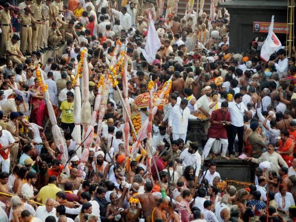 Sadhus, Devotees, Kumbh Mela, Maha Kumbh Mela 2015, Nashik Kumbh Mela 2015, Nashik Kumbh Mela Photo, Kumbh Mela Photo, Trimbkeshwar, Nashik