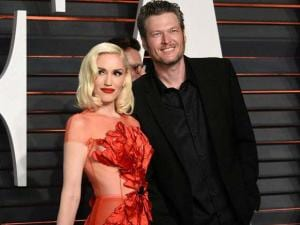 Gwen Stefani, left, and Blake Shelton arrive at the Vanity Fair Oscar Party