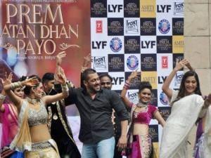 Salman Khan and actress Sonam Kapoor