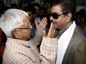 Shatrughan Sinha in conversation with RJD Supremo Lalu Prasad