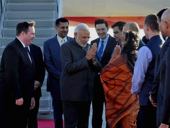 Prime Minister of India, Narendra Mod, Modi, Canada, Minister of National Defense, Jason Kenney, Ottawa, Macdonald-Cartier International Airport, Macdonald