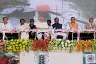 Narendra Modi with Union Agriculture Minister Radha Mohan Singh, Jharkhand CM Raghubar Da