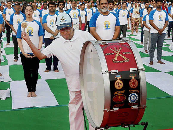 Modi, Narendra Modi, International Day of Yoga, Yoga Camp, Pranab Mukherjee, President of India