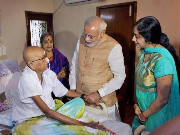 Narendra Modi, Ramaswamy, Thuglak, Jayalalithaa, PM meets Jayalalithaa, Modi meets Jayalalithaa, Chennai, Tamil Nadu