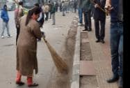 BJP MP Meenakshi Lekhi  participate in the Swachh Bharat Abhiyaan