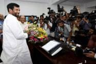 Paswan takes charge of the Ministry of Food & Civil Supplies