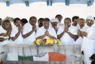 Tamil Nadu ministers pay their last respects to former President APJ Abdul Kalam