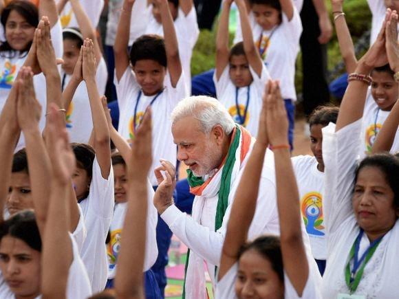 Prime Minister of India, Narendra Modi, Yoga, World Yoga Day, International Yoga Day, Modi, India Gate, Rajpath, New Delhi, Raisina Hill, Sushma Swaraj, PM Modi