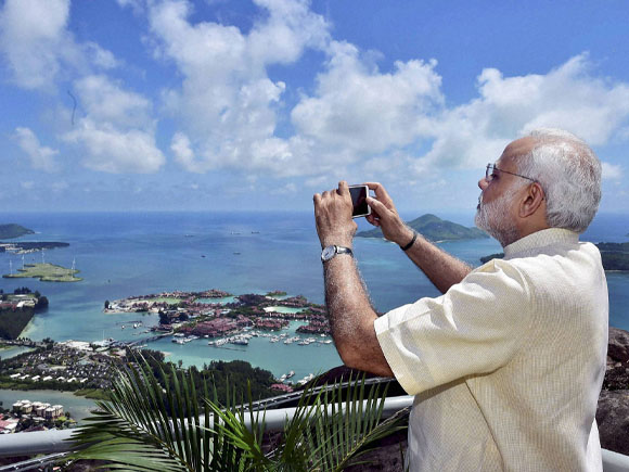 Prime Minister of India, Narendra Mod, CSRS, President of Seychelles, James Michel, Seychelles cooperation project, Coastal Surveillance Radar System, Seychelles