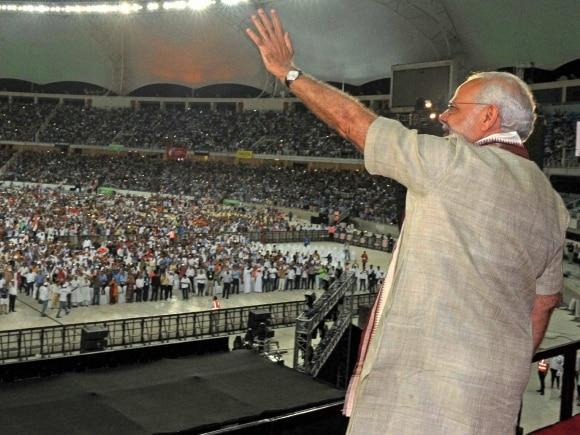 Narendra Modi, Dubai, Modi arrives in UAE,  Modi, Modi UAE, UAE, PM Modi, PM Modi UAE, UAE Modi, Narendra Modi UAE, UAE Narendra Modi, Modi news, Modi UAE visit pictures, UAE news, India news