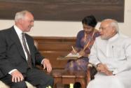 Narendra Modi meets former Australian Prime Minister Paul Keating