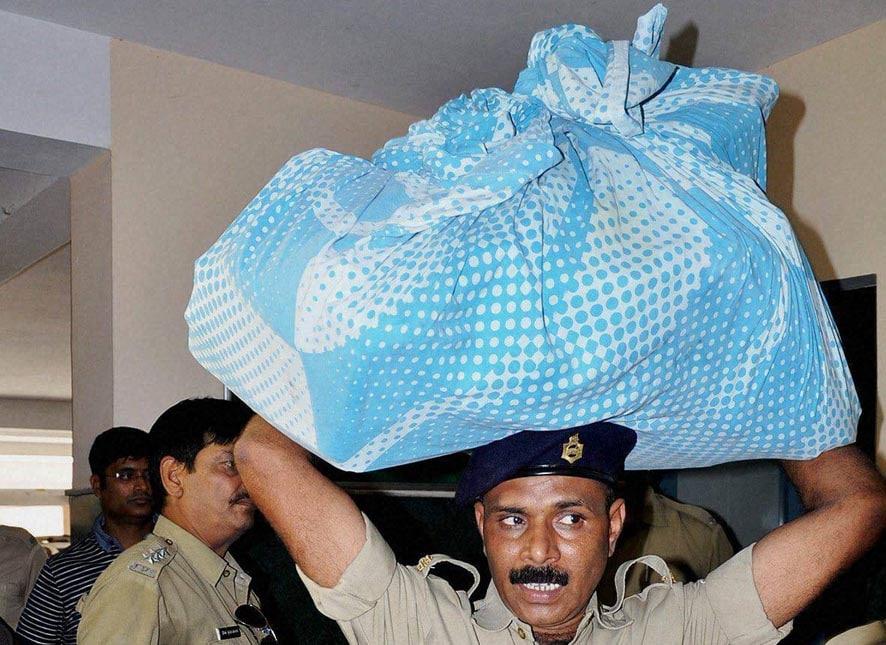 Ranchi, police, officials, items, recovered, raid, Ranjit Kohli, alias, Rakibul Hussain Khan's, residence, Ranchi