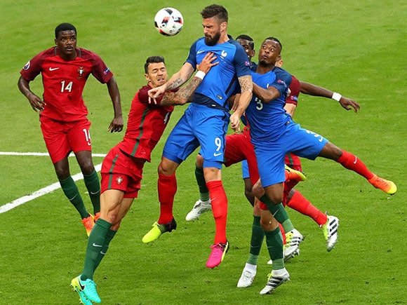 Olivier Giroud, Jose Fonte, Euro 2016 final, portugal vs france, portugal vs france final