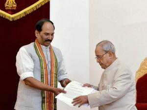 President Pranab Mukherjee with Telangana Congress President Uttam Kumar Reddy