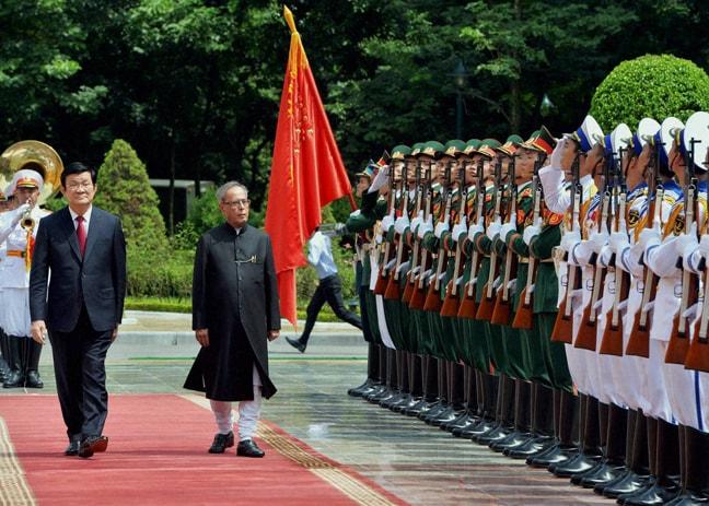 President, Pranab Mukherjee, Vietnamese, counterpart, Truong Tan Sang, ceremonial, reception, Presidential, Palace, Hanoi
