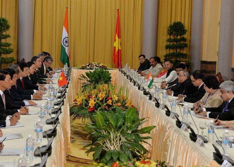 President of India, Shri Pranab Mukherjee, delegation, level talks, Presidential Palace, Hanoi, visit, Socialist Republic of Vietnam
