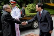 President Pranab Mukherjee being welcomed his Vietnamese counterpart Truong Tan Sang