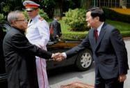 President Pranab Mukherjee being welcomed his Vietnamese counterpart Truong Tan Sang