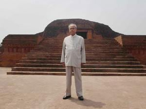 President Pranab Mukherjee poses during visit  to Vikramshila University Monuments and Museum in Bhagalpur district in Bihar