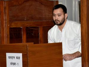 Bihar Deputy Chief Minister Tejashwi Yadav casts his vote for Presidential election.jpg