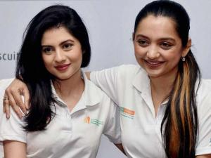 Tollywood actoress and member of West Bengal Women Commission June Malliah with actress Payel Sarkar during a press conference ahead of 'Kolkata Marathon 2016'