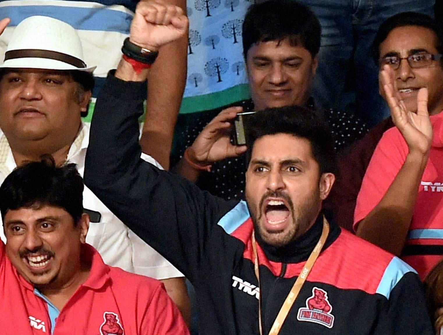 Abhishek Bachchan, Dabang Delhi, Jaipur Pink Panther, Pro Kabaddi League, Pro Kabaddi, Kabaddi, Kabaddi League, Sports Pro Kabaddi, Sports News, New Delhi