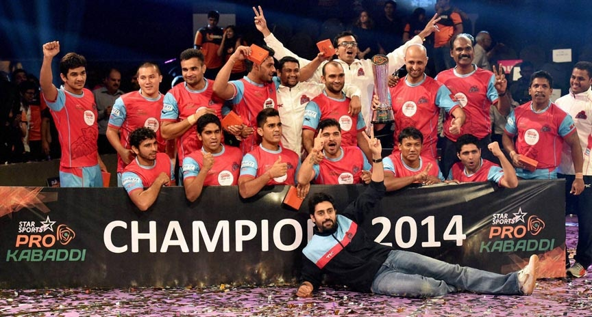 Bollywood actor, Abhishek Bachchan's, team, Jaipur Pink Panthers, win, Mumbai U, final match, Pro Kabbadi, National Sports Club of India's, indoor stadium, Mumbai