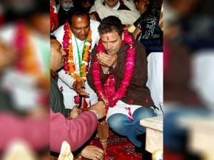 Congress Vice President Rahul Gandhi offering prayers at Har Ki Pauri during an roadshow in Haridwar late night