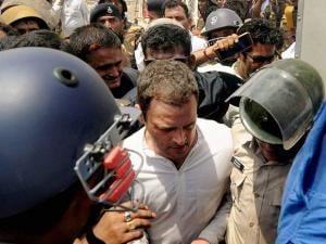 Rahul Gandhi being arrested on his way to Mandsaur