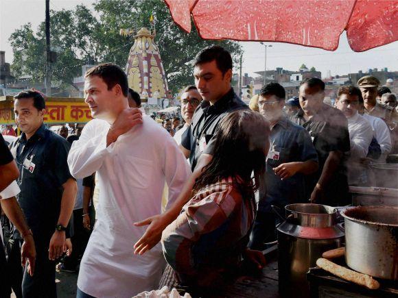 Rahul Gandhi, Poor Worker, Hawkers, Delhi, Congress, Ajay Maken, Gujarati Vaghri Community, Arvind Kejriwal, Narendra Modi