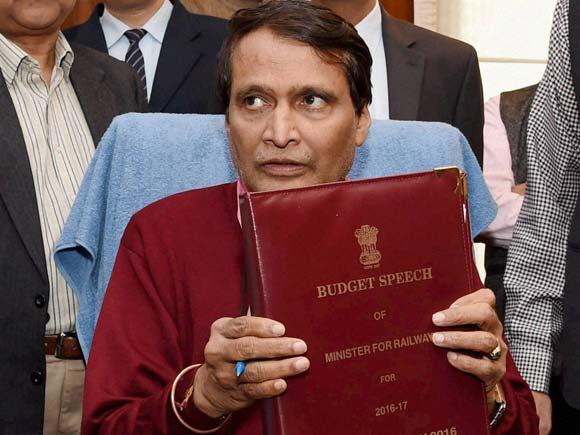 Railway Budget 2016, Railway Sector,Budget 2016, Suresh Prabhu, Mumbai, Railway Ministry, Mumbai Metropolitan Region Railway Corporation, Central Railway, Western Railway, Harbour Line
