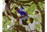 Rajasthan farmer commits suicide at AAP rally