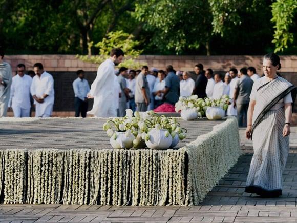 Rajiv Gandhi, Rahul Gandhi, Sonia Gandhi, Priyanka Vadra,  Robert Vadra, Manmohan Singh, Congress, Vir Bhumi
