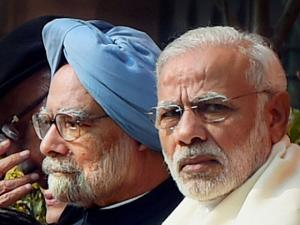 Prime Minister Narendra Modi with  Former Prime Minister Manmohan Singh during the tribute paying ceremony for the martyrs of 2001 Parliament attack