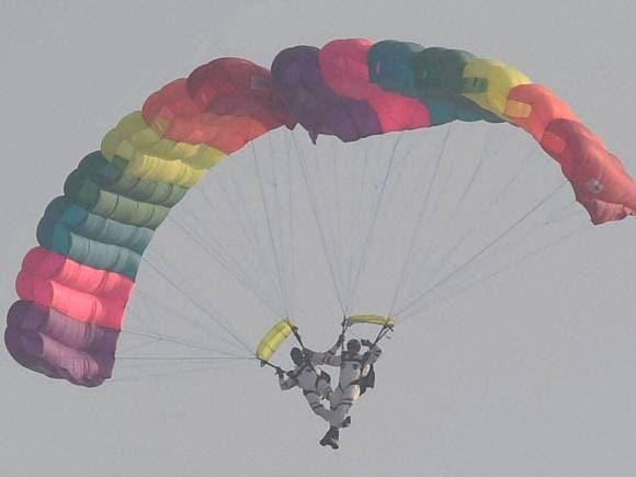 Sachin Tendulkar, Air Force Day celebrations, Sky-diving team of Akash Ganga
