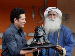 Sachin Tendulkar with the founder of Isha Foundation Sadguru Jaggi Vasudev
