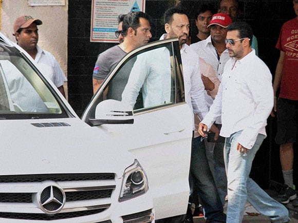 Salman, Hit-and-Run Case,  Hit-and-Run, Salman Khan, High Court, 2002 Hit-and-Run Case