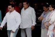 Salman Khan being with his father Salim Khan, mother Salma Khan
