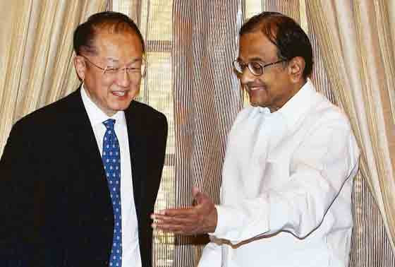 Union Finance Minister P Chidambaram with World Bank President Jim Yong Kim