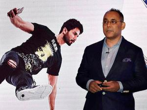 Manu Sharma, Vice President, Mobile Business,  Samsung India during launch of new mobile phones