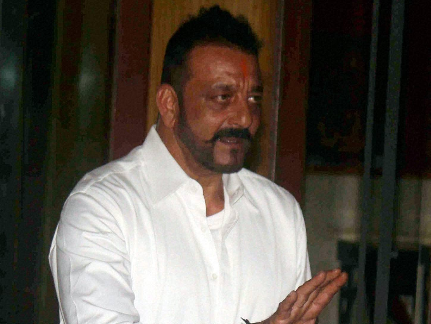 Sanjay Dutt, Yerwada Jail, Sanjay Dutt Released, 30 Day Furlough, Sanjay Dutt daughter's nose surgery, Mumbai