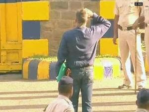 Sanjay Dutt salutes national flag at jail