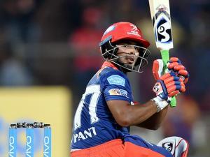 Delhi Daredevils batsman rishabh Panth plays a shot