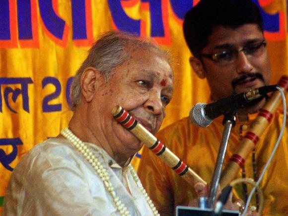 Pandit, Hariprasad Chaurasia, Sankat Mochan Sangit Samaroh, Varanasi, Sankat Mochan, Sangit Samaroh