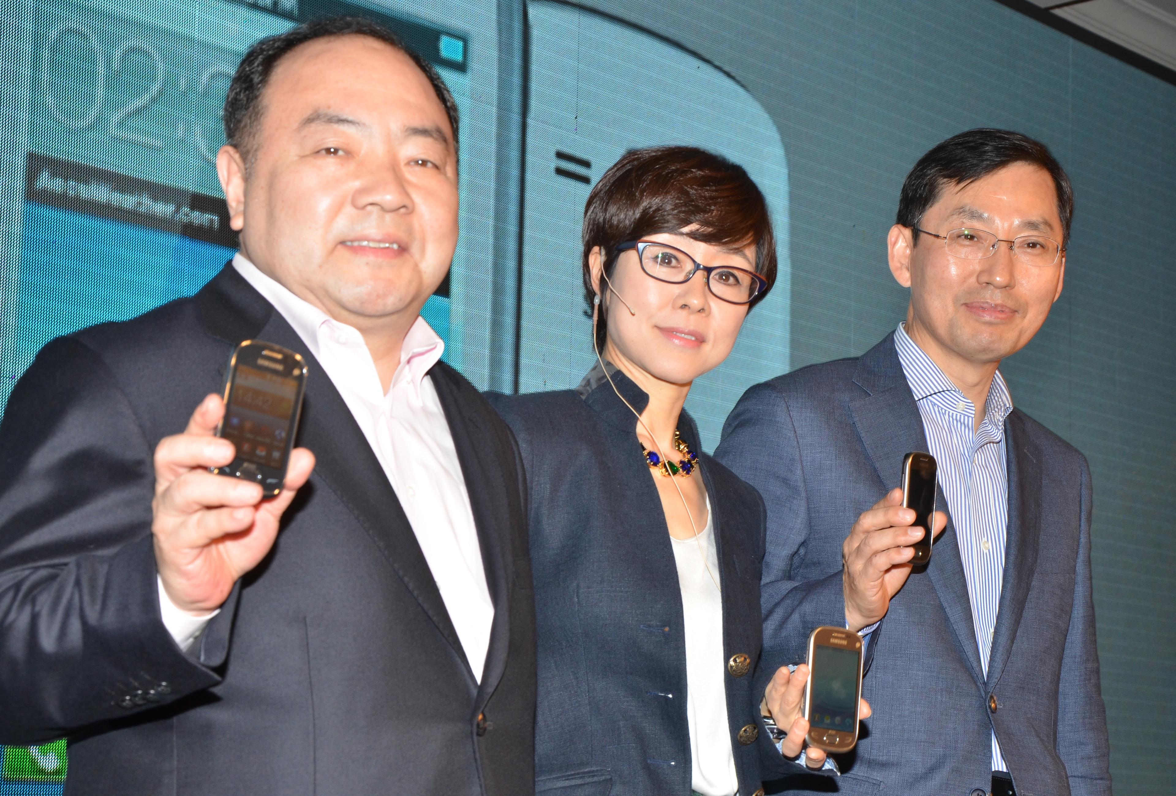 Hung Sik Cho, Younghee Lee, mobile communication, Samsung Electronics, B D Park, REX smart phones