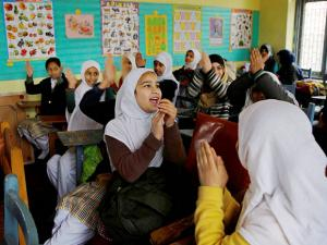 Students in a class room in Srinagar