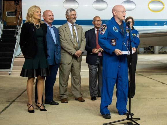 Scott Kelly, Mikhail Kornienko, mikhail kornienko and scott kelly, Scott Kelly return, Scott Kelly twitter,Mikhail Kornienko twitter, NASA, Cape Canaveral Air Force Station